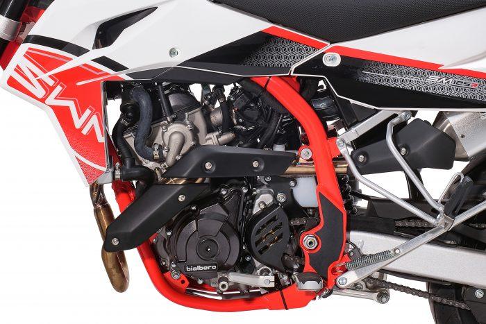 SM-125-R-centrale-rosso