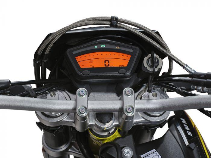 SWM Motorcycles SM125R display